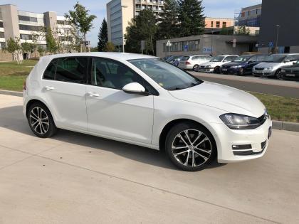 VW Golf Highline 1,4TSI 7DSG Exkluzivní stav i výbava